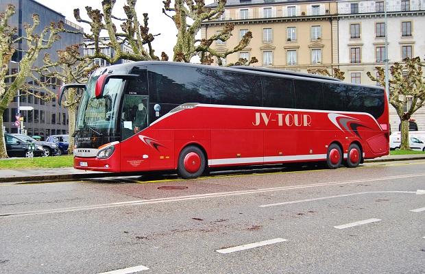 JV - TOUR cesta na autosalon do Ženevy v roce 2016, foto: Zdeněk Nesveda  - BusPress